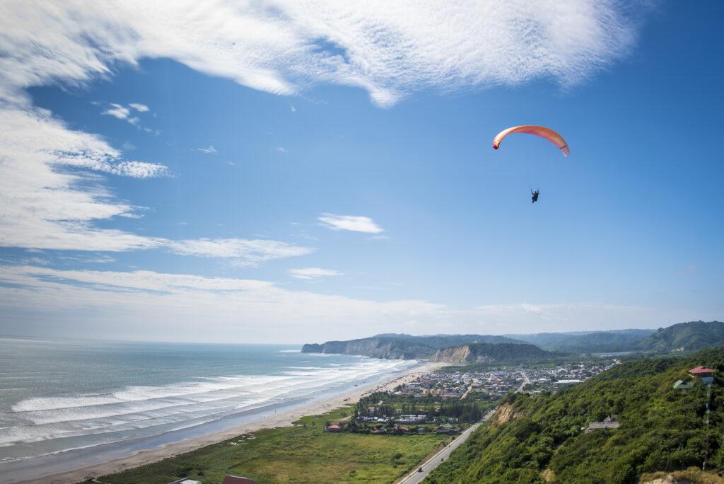 paragliding hang gliding Ecuador